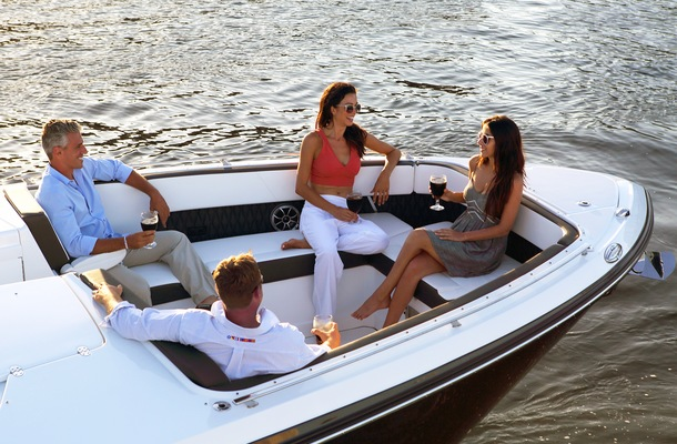 How to Entertain Guests Aboard Your Monterey Boat