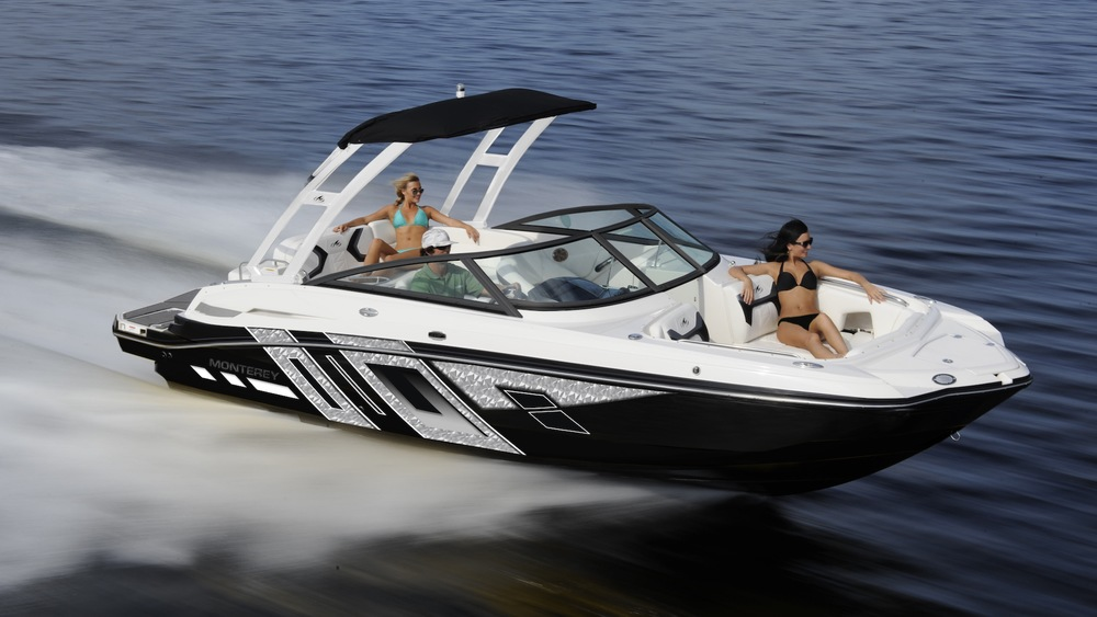5 Reasons The Monterey M4 Is Ranked Among The Best Water Sports Boats In America