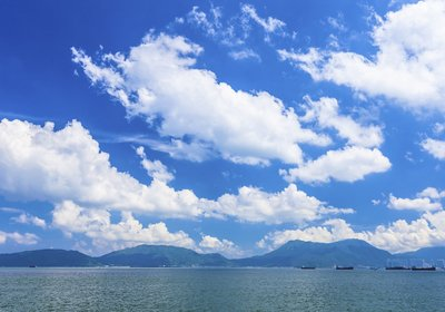 Watching The Clouds: A Boating Guide