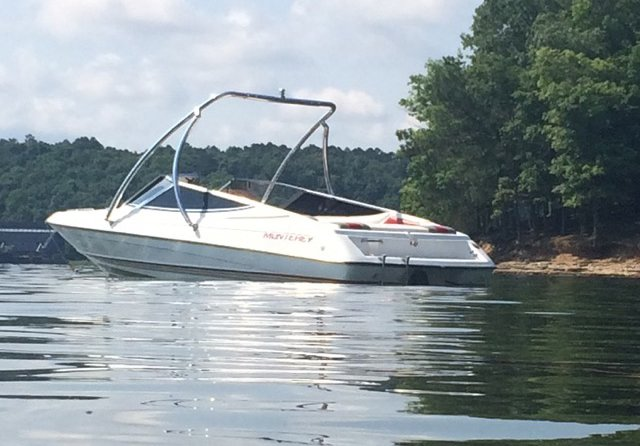 Purchased brand new in 1991, Chris and Pam Hall are still having fun down in Mississippi on their Monterey 189SCR!